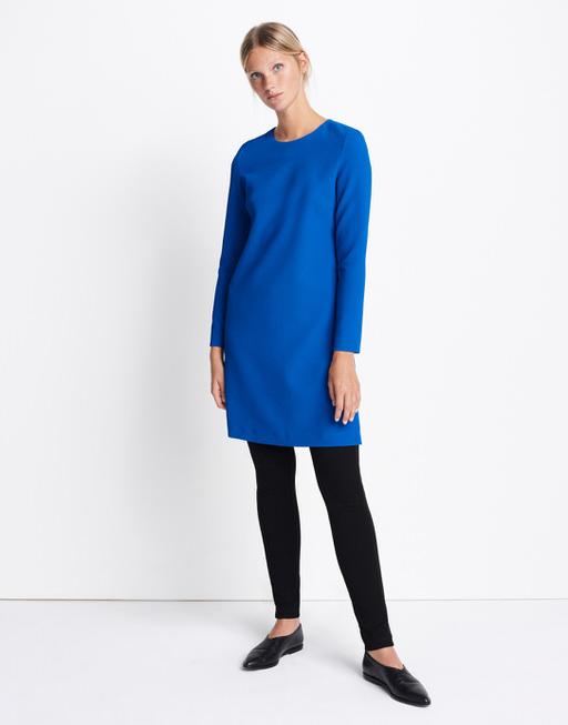 Blaues kleid passende jacke