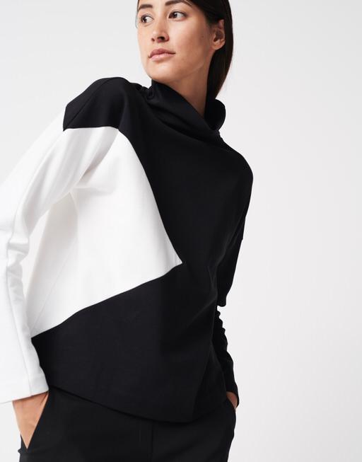 Sweater Umega black